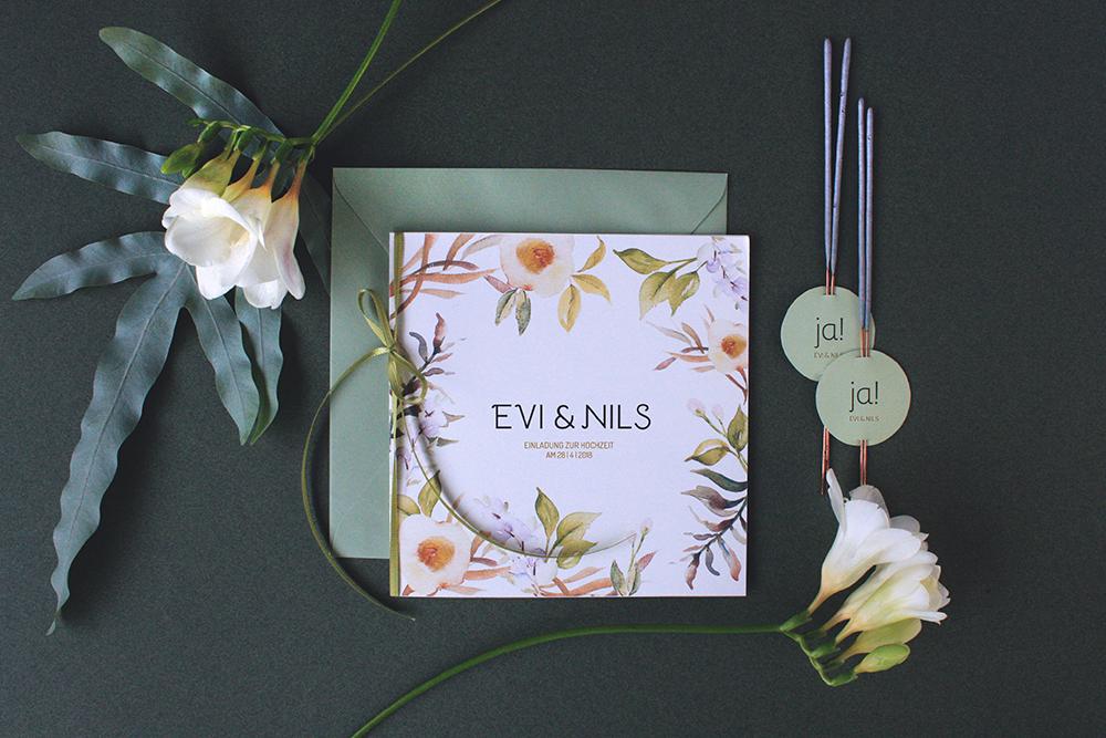 Hochzeitskarten Floral Menukarten Und Einladungskarten In Floralem